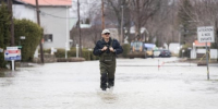 1 dead in western Quebec as waters rise and army begins deployment