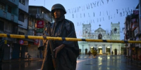 Sri Lankans urged to avoid mosques, churches amid fears of more attacks